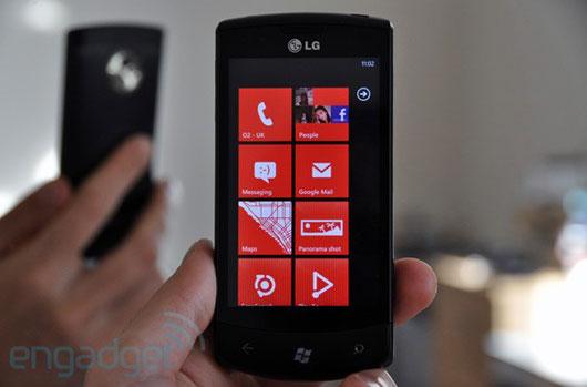 Celcom LG Optimus 7 2