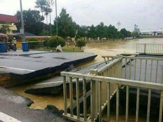 Pray for Kemaman 11